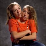 Abby and Brittany Hensel: How do Conjoined Twins take Exams? Did they each have their own grades and test scores?