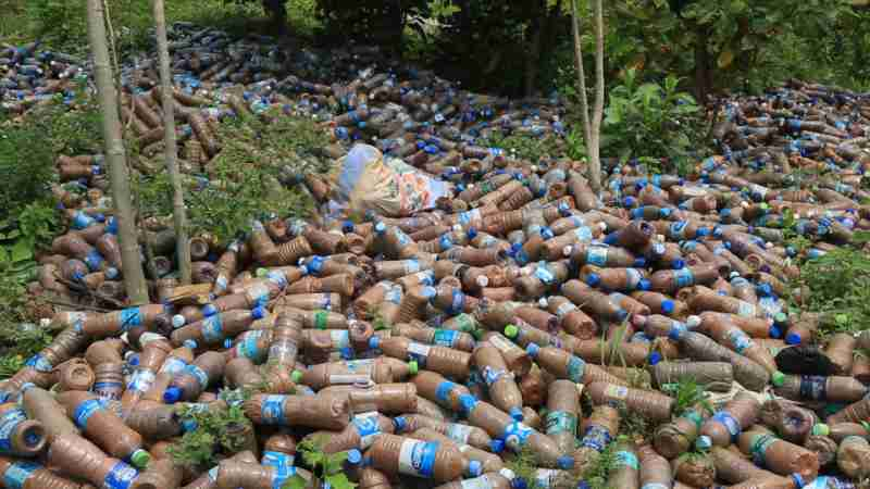 Nigerian Houses are being Bottled Up! 14,000 Plastic Bottles to Build a House