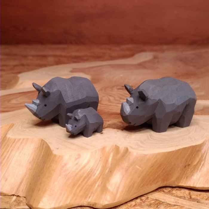 Seiji Kawasaki - A Japanese wood carving artist who creates the Cutest Carved Wooden Animals